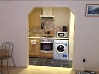 LARGE MODERN FULLY FURNISHED STUDIO FLAT AVAILABLE IN BOURNEMOUTH DURLEY GARDENS (£650PCM)