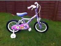 Girls Apollo petal bike with stabilisers