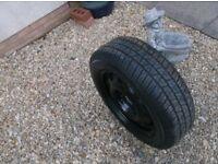 FORD FOCUS / MONDEO / ETC 15 INCH AS NEW STEEL WHEEL C / W AS NEW 195 X 60 X 15 TYRE ,TYRE LIKE NEW