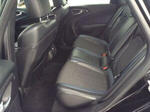 2015 Chrysler 200 S Type / Fully Loaded / Heated Leather Edmonton Edmonton Area image 12