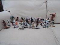 33 Star Wars Figures wih Extra Accessories