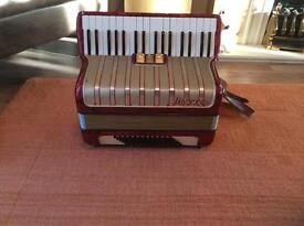 Accordion Hohner Arietta 1M 72 bass
