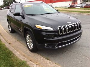 2016 Jeep Cherokee LIMITED/LEATHER/LOADED/4X4/AND UNDER $30,000!