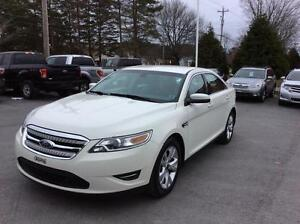 2010 Ford Taurus SEL FWD WITH AIR CONDITION AND PWR WINDOWS - SI