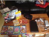 Nintendo Wii U 32GB Mario Kart 8 Premium Pack + Extra 5 Top Games