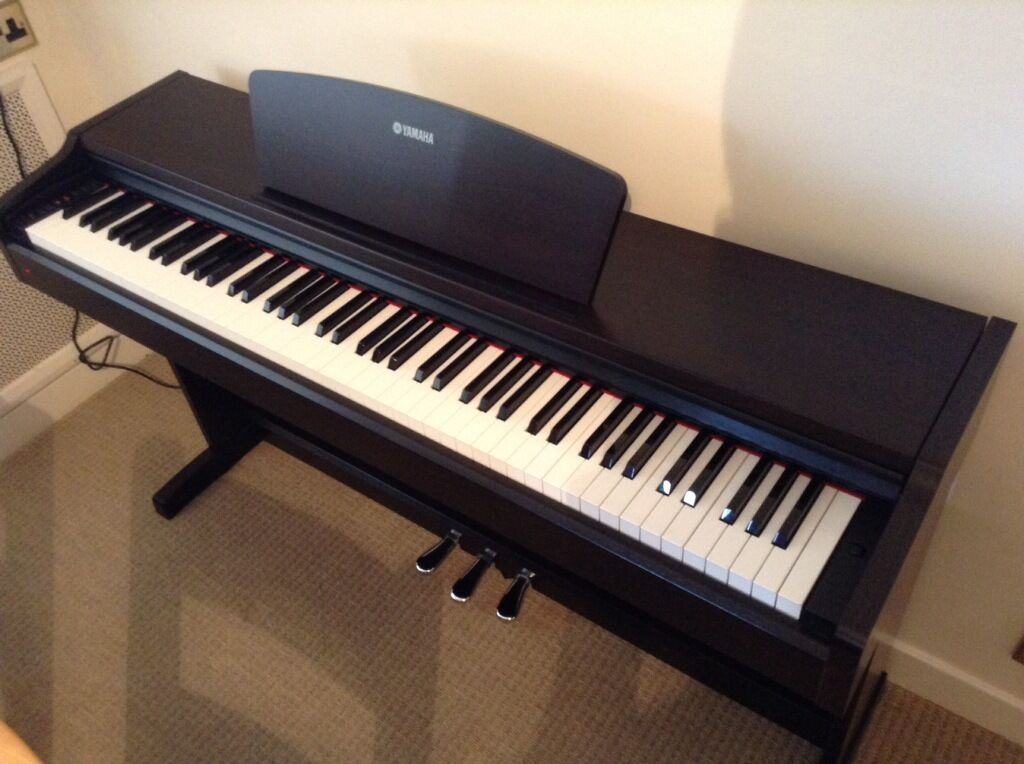 Yamaha digital piano ydp 131 a lovely piano in high for Yamaha digital piano dealers