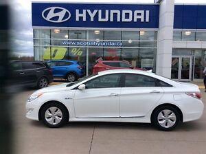 2014 Hyundai Sonata HYBRID ONLY $84* Bi-weekly