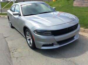 2016 Dodge Charger SXT/SUNROOF/SPORTY