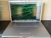 17 inch Macbook Pro Apple mac laptop 250gb hard drive 4Gb ram webcam Office Photoshop