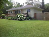 BOBCAYGEON PIGEON LAKE 5 STAR COTTAGE RENTAL **HOT TUB**