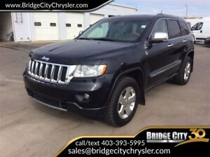 2011 Jeep Grand Cherokee Overland- DVD, Leather, Sunroof!