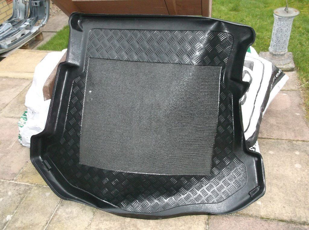Mk3 Ford Mondeo boot liner