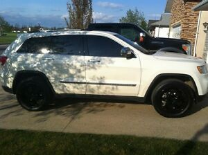 Jeep Grande Cherokee Limited- 5.7 HEMI, Nav, Loaded