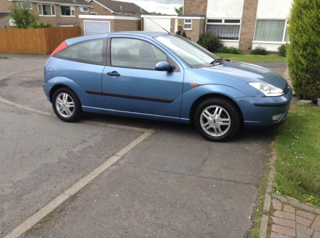 02 ford focus 1 6 zetec blue 3 door low tax low insurance for 02 ford focus 3 door