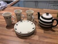 Lovely tea pot with 3 cat design mugs & plates