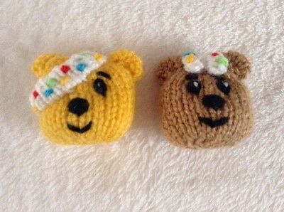 Children in Need Pudsey and Blush brooch / badge knitting pattern