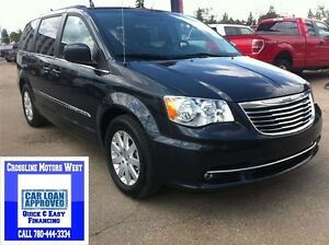 2014 Chrysler Town & Country | Stow N Go | SiriusXM | Bluetooth