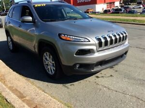 2017 Jeep Cherokee NORTH 4X4/SAVE OVER $8500!