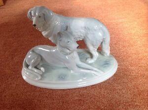 Porzellanfigur hunde Pfeffer gotha, um 1900, Deutsche Dogge und Bernhardiner