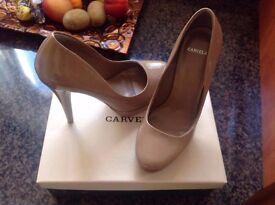 Size 7 Kurt Geiger carvela high heels.
