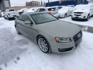 2010 Audi A5 / 2.0 / AUTO / SUNROOF / LEATHER /AWD