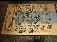LARGE QUANTITY FASHION JEWELLERY NECKLACES AND PANDENTS ABOUT 57