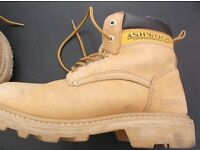 Ashwood Brown Safety Boots in Very Good condition