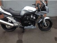 Yamaha Fazer FZS 600 in Silver with Only 11,500 Miles and in Mint Condition