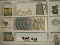 Wall storage/plate rack, light cream colour, immaculate cond.