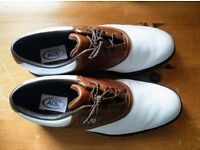 Footjoy AQL size 8.5 (runs large and fits a 9)