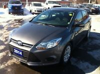 2014 Ford Focus SE! AUTO! AIR! SYNC! ONE OWNER!