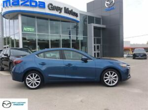 2017 Mazda MAZDA3 GT, Heated Leather, Sunroof, Navi, low kms!