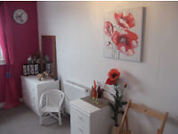 FLAT SHARE £60 pw bills included