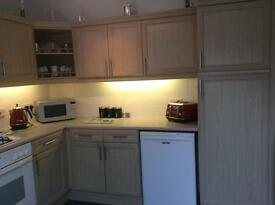 Fitted Kitchen Inc. Oven, Hob, Washing Machine, Freezer, Microwave.