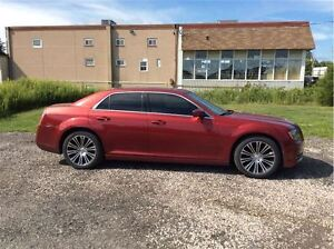 2012 Chrysler 300 S V6 - Managers Special London Ontario image 6