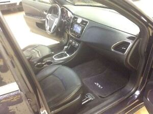 2011 Chrysler 200 Limmited Annual Clearance Sale! Windsor Region Ontario image 17
