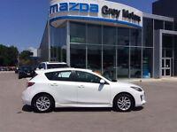 2012 Mazda MAZDA3 GS, Heated Leather, Sunroof, 2.5L Engine, Blue