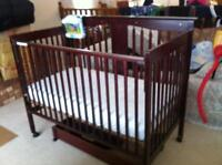 BARELY USED STORKCRAFT TODDLER BED