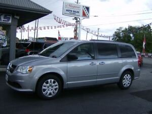 2014 Dodge Grand Caravan STOW AND GO !! NICE INTERIOR !!