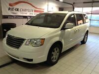 2010 Chrysler Town & Country Touring Stown N Go 7 passagers