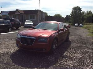 2012 Chrysler 300 S V6 - Managers Special London Ontario image 3