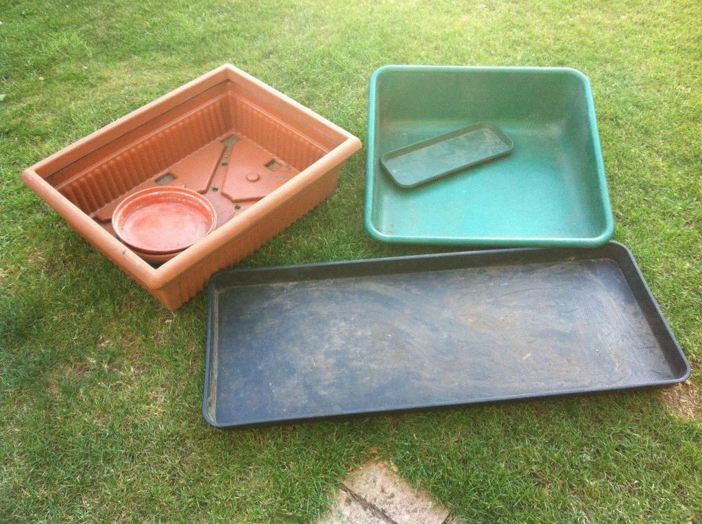 1 plastic drain cover planter 1 garden tidy amp 1 large pot  : 86 from www.gumtree.com size 1024 x 764 jpeg 154kB