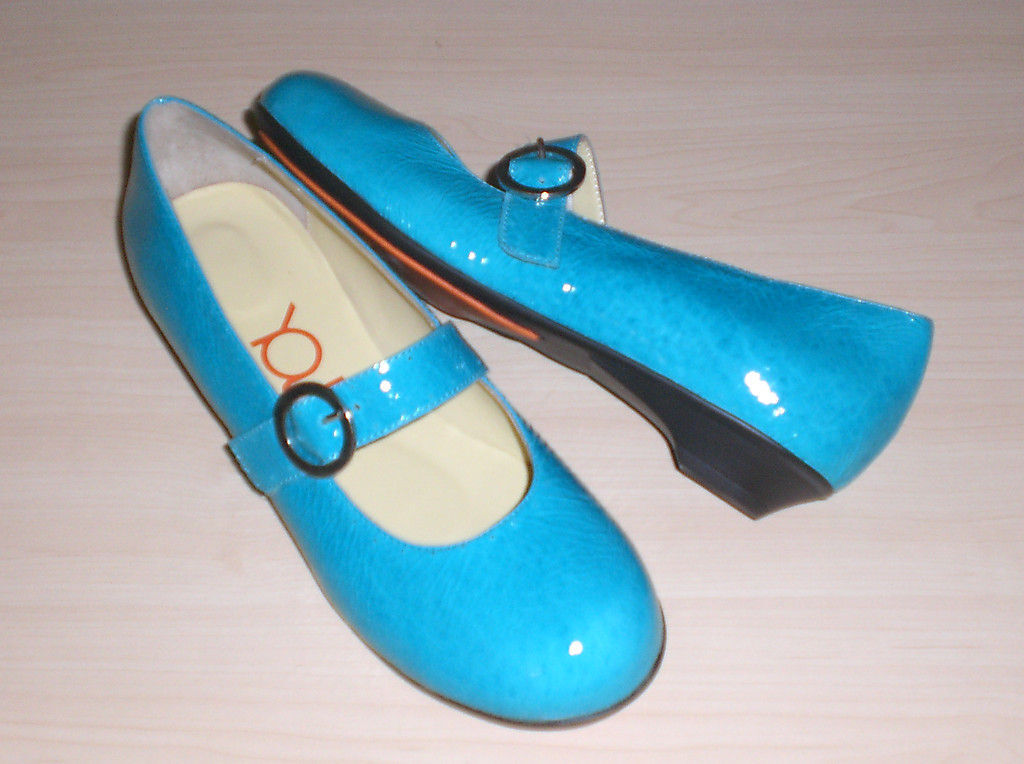 Crocs You by Crocs MJ flats turquoise leather sz 7 Med NEW 1