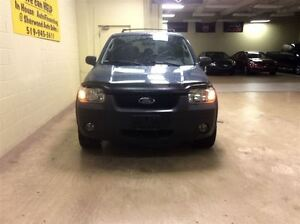 2005 Ford Escape XLT Annual Clearance Sale! Windsor Region Ontario image 2