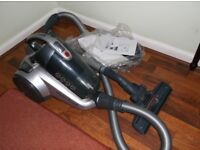 HOOVER BAGLESS VISION REACH 2 LTR CAPACITY/EXCELLENT