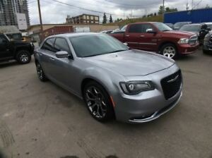 2016 Chrysler 300 S / 3.6 / NAV / B/U CAMERA / PANO ROOF
