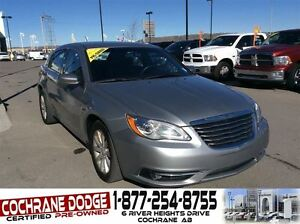 2014 Chrysler 200 Touring with HEATED SEATS AND REMOTE START!