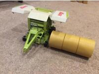 Bruder claas Rollant baler , with 3 round bales