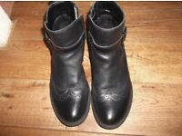 M&S size 3 girls / kids black boots ,good condition