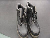 Dr Martens black safety boots Size 9 never worn